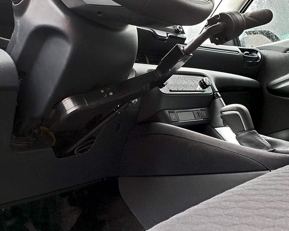 Toyota Yaris IV avec ACCEL BIKE II et STOPDIS II