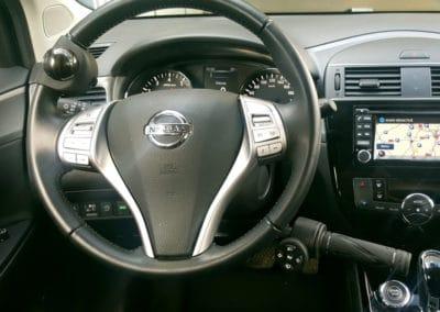 Installation de commandes au volant sur Nissan Pulsar