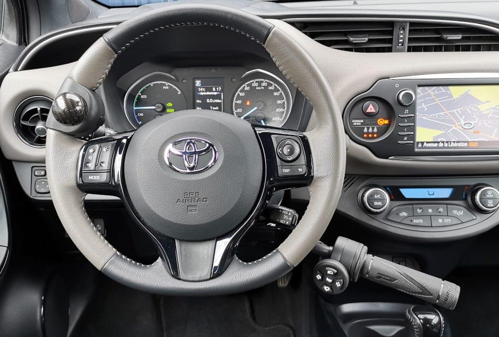 Adaptation de commandes au volant sur Toyota Yaris Hybrid