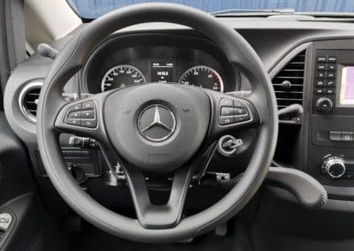 Installation de commandes au volant sur Mercedes Vito