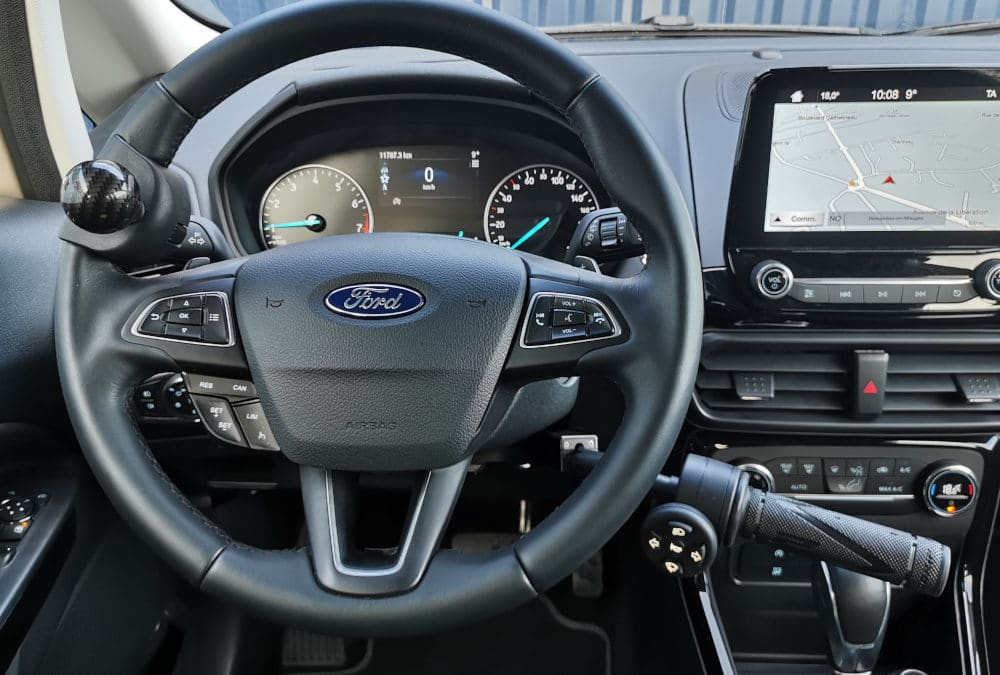 Adaptation de commandes au volant sur Ford Kuga