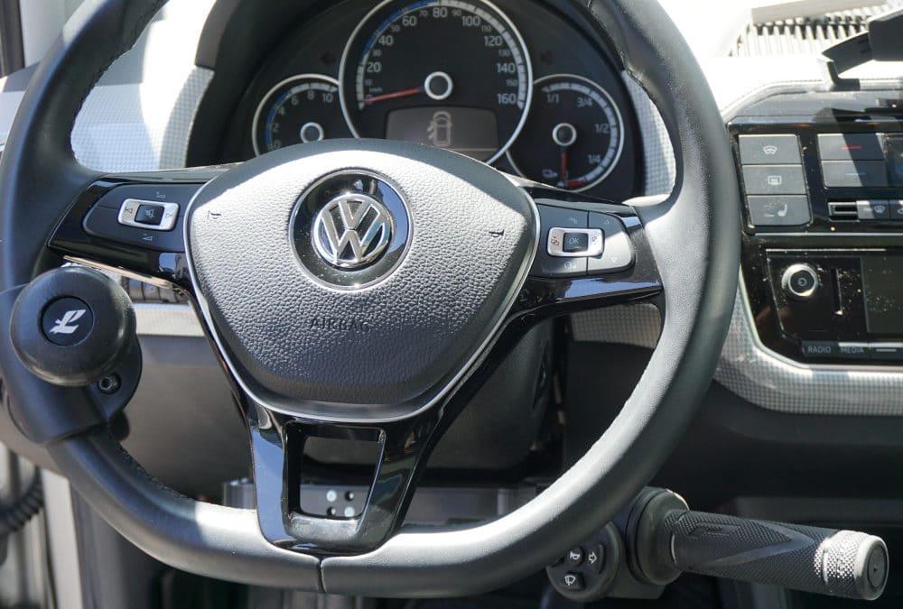 Installation de commandes au volant sur Volkswagen Up