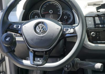 Installation de commandes au volant sur Volkswagen Up