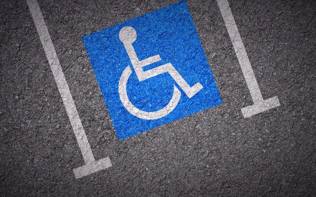 Places de parking handi : la lutte des « Oui mais j'ai la carte ! »