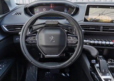 Installation de commandes au volant sur Peugeot 5008