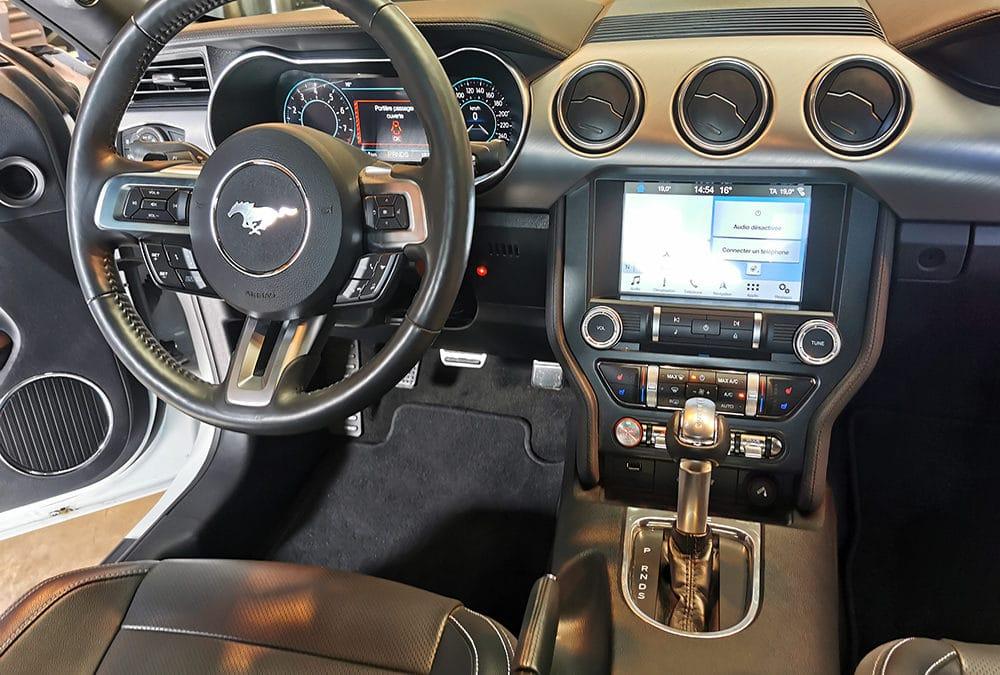 Adaptation d'un accélérateur au pied gauche sur Ford Mustang V8