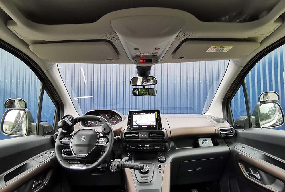 Auto-école conduite adaptée Peugeot Rifter