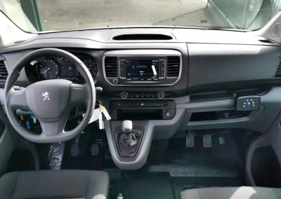 Transformation auto-école sur Peugeot Expert