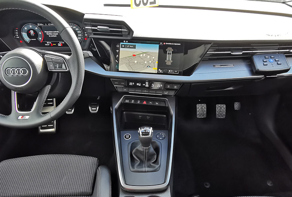 Aménagement auto-école sur Audi A3