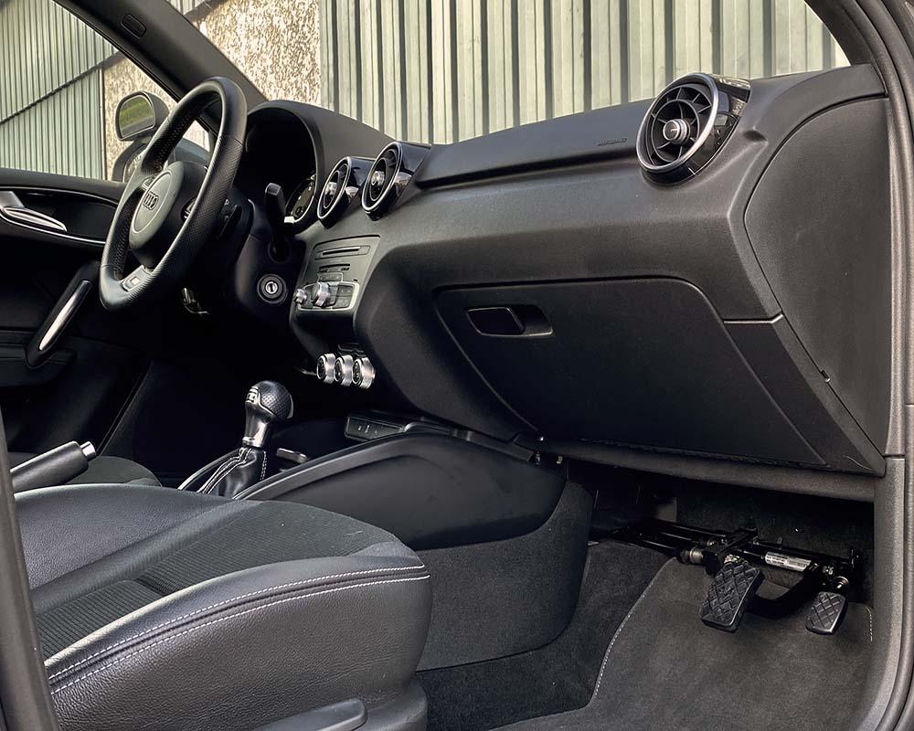 Transformation auto-école sur Audi A1