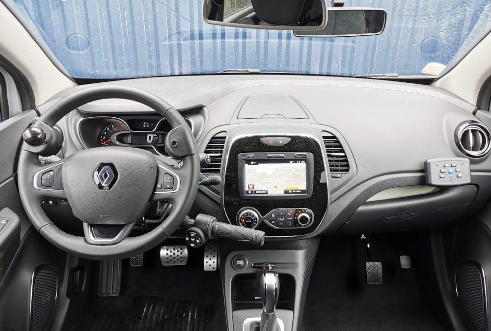 Transformation auto-école handiconduite sur Renault Captur