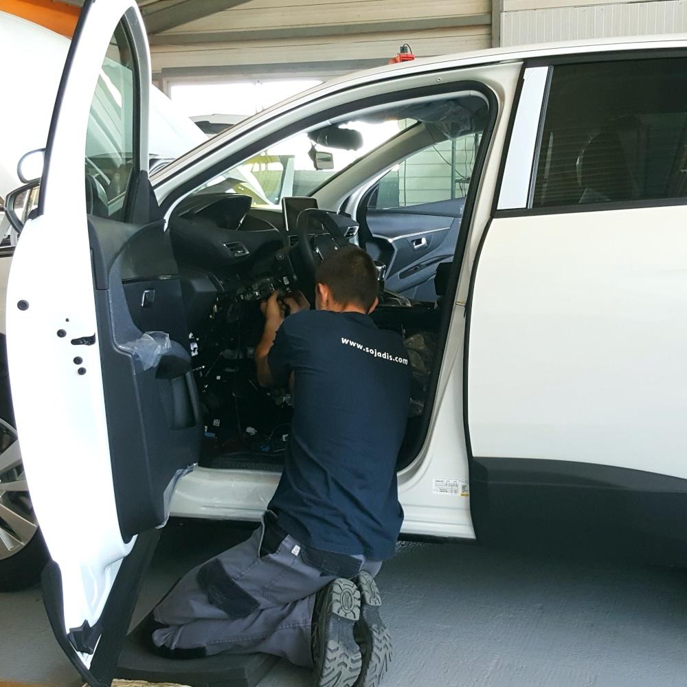aménagement voiture auto-école