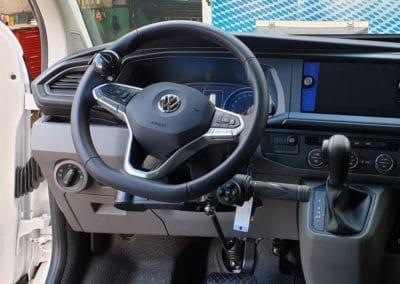 Installation de commandes au volant sur Volkswagen T6