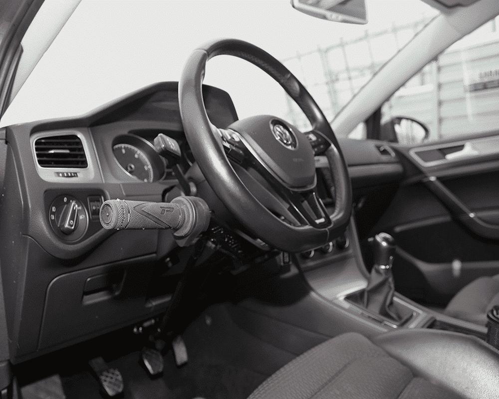 VW Golf Variant VII avec ACCEL BIKE II