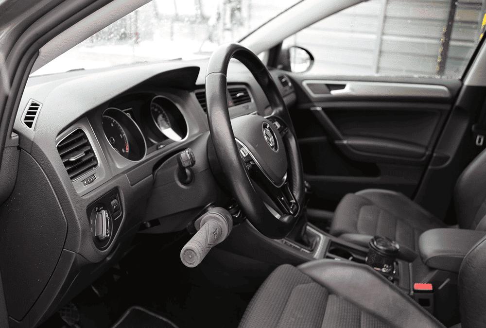 Aménagement commande au volant sur VW Golf VII