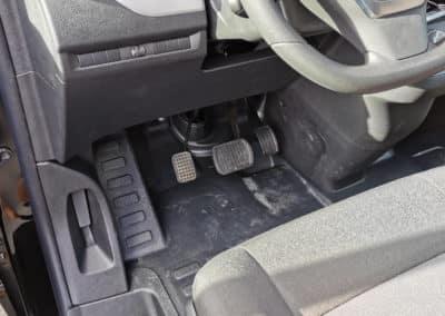 Aménagement pédale de gauche sur Opel Vivaro