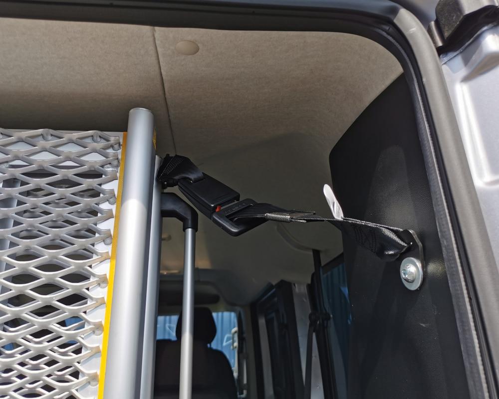 accroche ceinture pour rampe tpmr