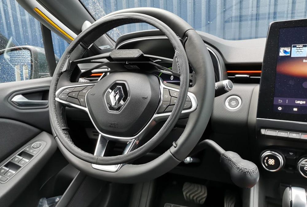 Installation de commandes au volant sur Renault Clio V