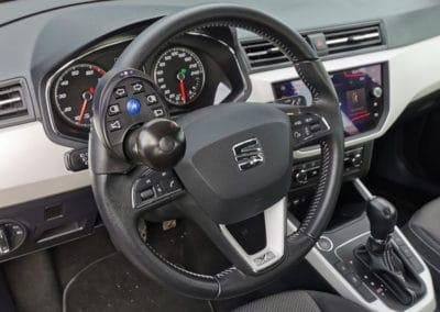 Adaptation d'une télécommande au volant sur Seat Arona