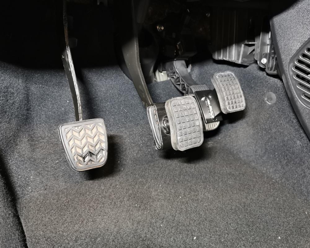 conduite adaptee pedale handi demontables
