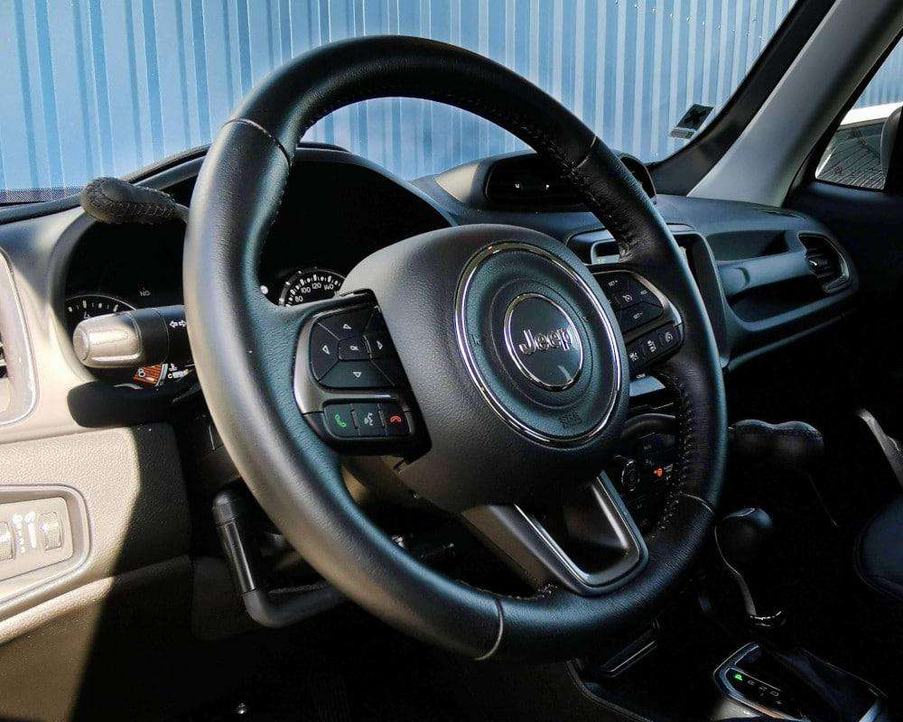 jeep renegade accelerateur et frein au volant handiconduite