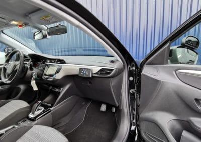Transformation auto-école sur Opel Corsa F