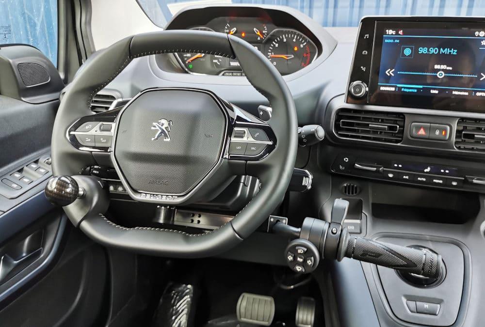 Adaptation handicap sur Peugeot Rifter