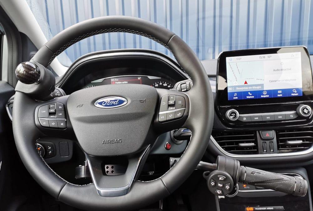 Aménagement commande au volant sur Ford Puma