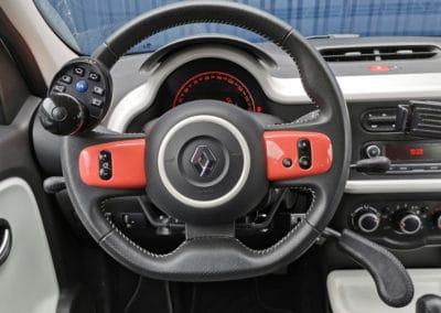 Adaptation de commandes au volant sur Renault Twingo