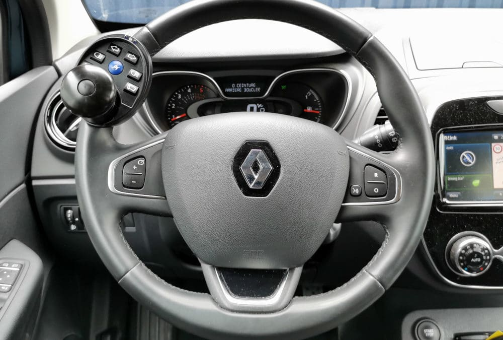 Adaptation de commandes au volant sur Renault Captur